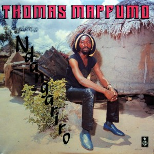 Thomas Mapfumo, front