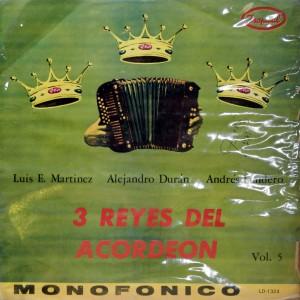 3 Reyes del Acordeon, front